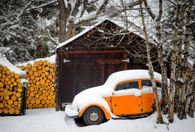 volkswagon bug in snow in Breckenridge